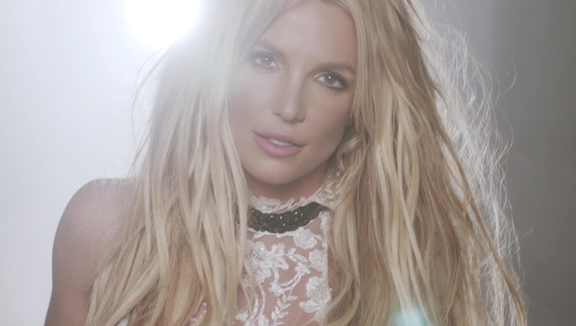 britney-spears-do-you-wanna-come-over-kiss-web-rc3a1dio